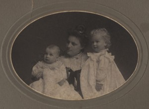 cammann and william duke with mother 1903